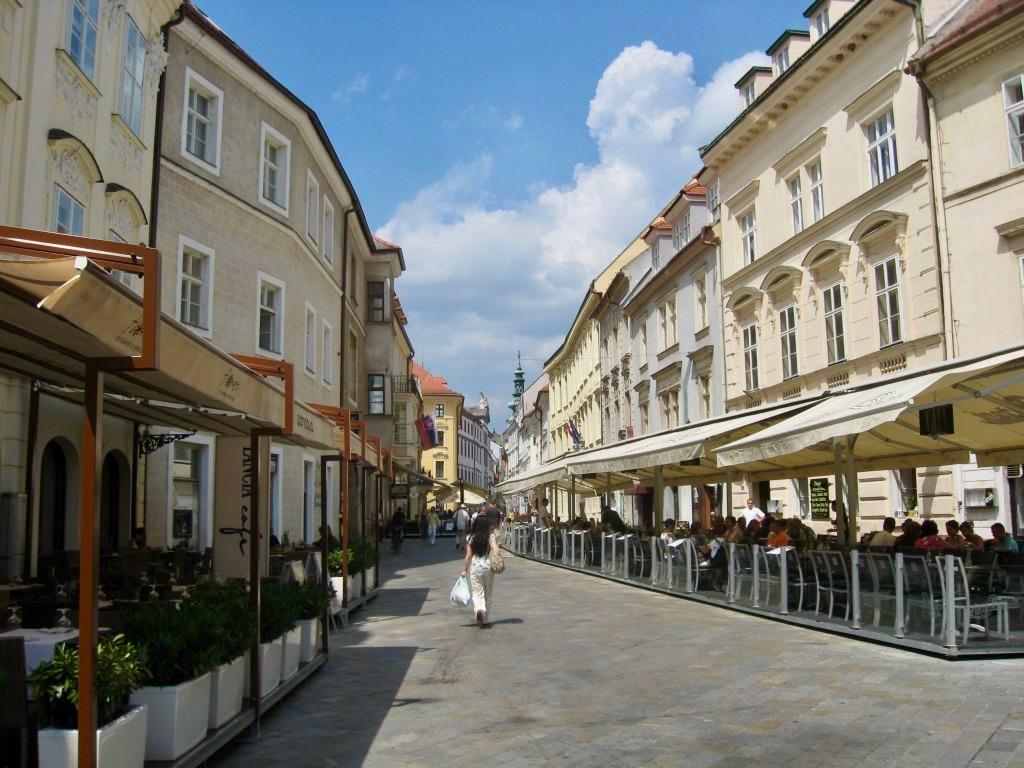 Bratislava 1 09