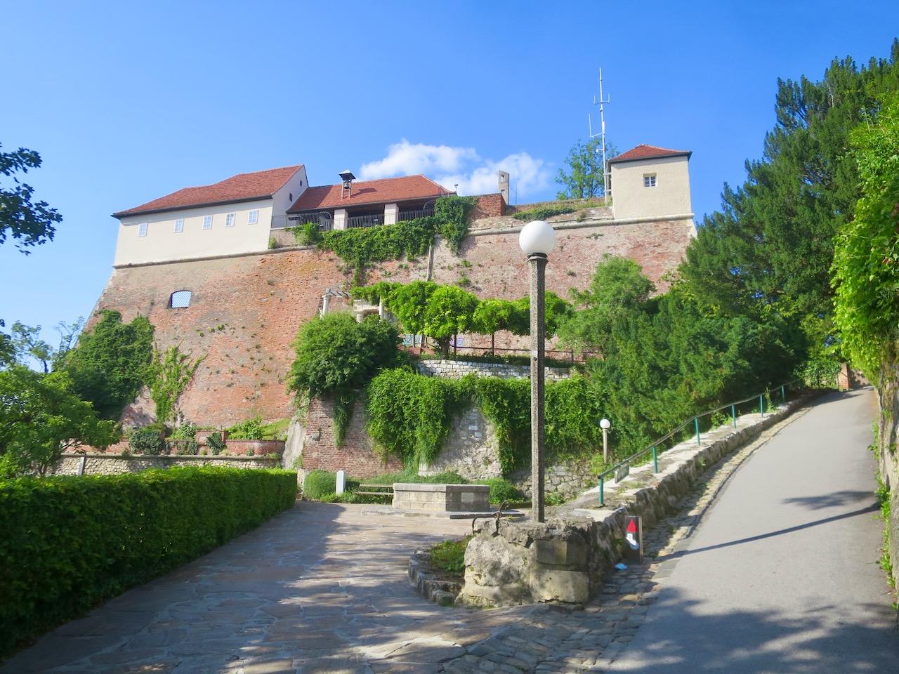 Graz 1 24